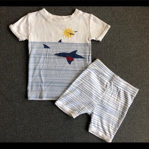 Old Navy Shark and Beach Short Pijama Set 2T